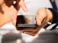 واردات موبایل بالای ۳۰۰یورو همچنان ممنوع است/ نیم میلیون دستگاه تلفنهمراه در گمرک منتظر تخصیص ارز