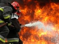 ساختمان قدیمی در آتش سوخت