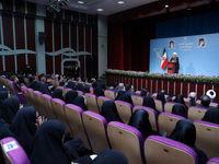 روحانی: نظام حتما باید به دانشجو اعتماد کند و به دانشجو احترام بگذارد/ برجام نه مقدس است و نه لعنتی، یک قرار داد بینالمللی است