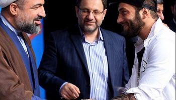 عباس عبدی: عکس اصولگراها با تتلو را در اتاقم میزنم