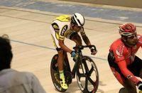 طلای دوچرخه سواری بر گردن گنج خانلو