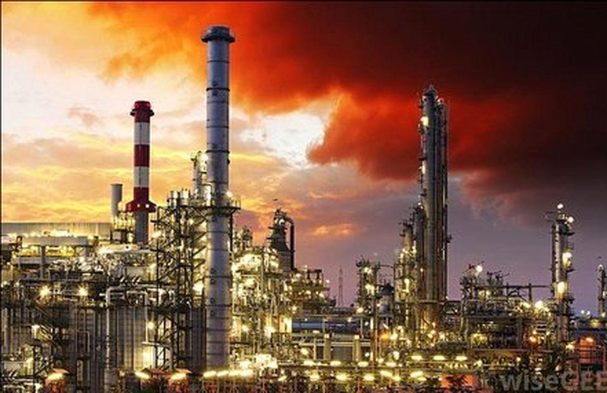 پالایشگاههای نفت اروپا با افزایش تولید دیزل دست و پنجه نرم میکنند