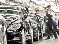 زیان روزانه ۶میلیون دلاری خودروسازان جهان از کرونا