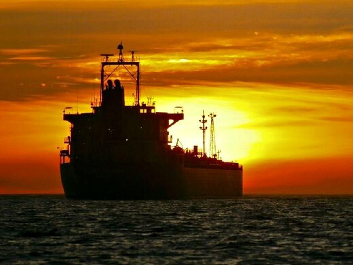 تحویل اولین محموله نفتی روسیه از قطب شمال به چین