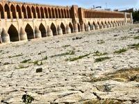 رهاسازی آب زاینده رود یک مُسکن موقت است/ فقر برنامههای بلندمدت تامین منابع آب از سوی وزارت نیرو
