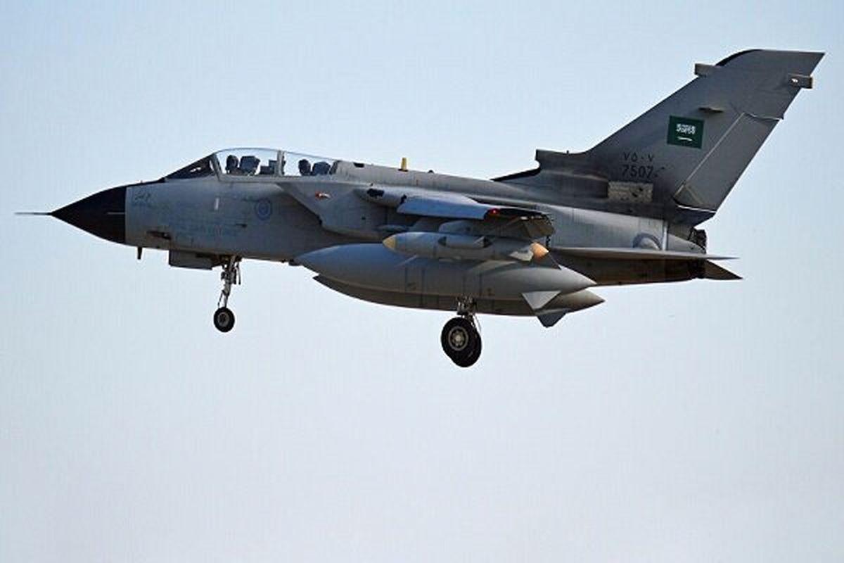 حمله جنگنده های سعودی-آمریکایی به فرودگاه تعز