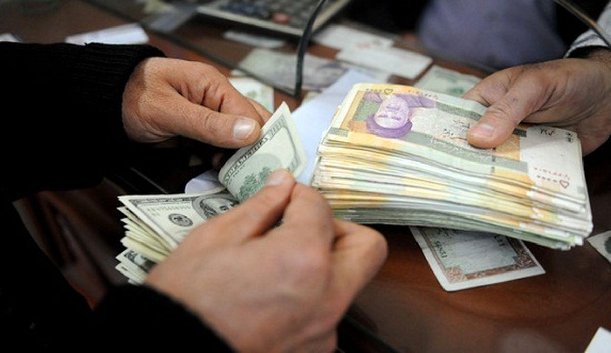 پیش بینی دلار ۴۵۰۰ تومانی توسط اقتصاددانان