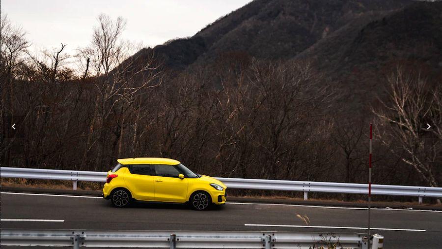 Suzuki Swift Sport )