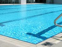 مزایای شنا کردن در زمستان