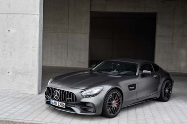 2018-Mercedes-AMG-GT-C-Coupe-Edition-50-front-three-quarter-02