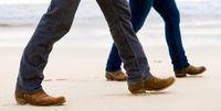 تند راه بروید تا پیر نشوید!