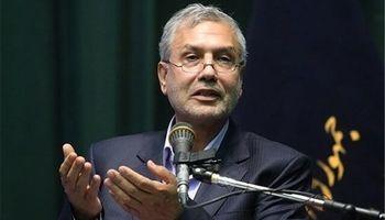 ربیعی: ورود خارجیها به ایران، بدون ثبت در پاسپورت