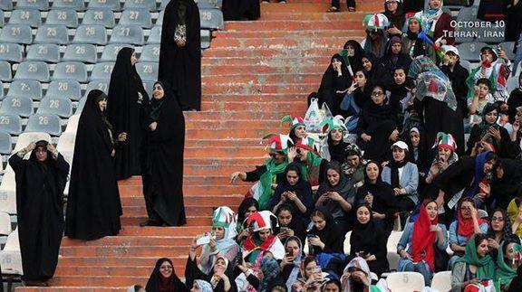 تصویر حضور زنان ایرانی در ورزشگاه یکی از تصاویر برگزیده سال شد