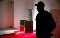 نشستن روی صندلی 1میلیون دلاری +فیلم
