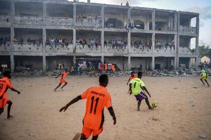 فوتبال حتی در جهنم +عکس