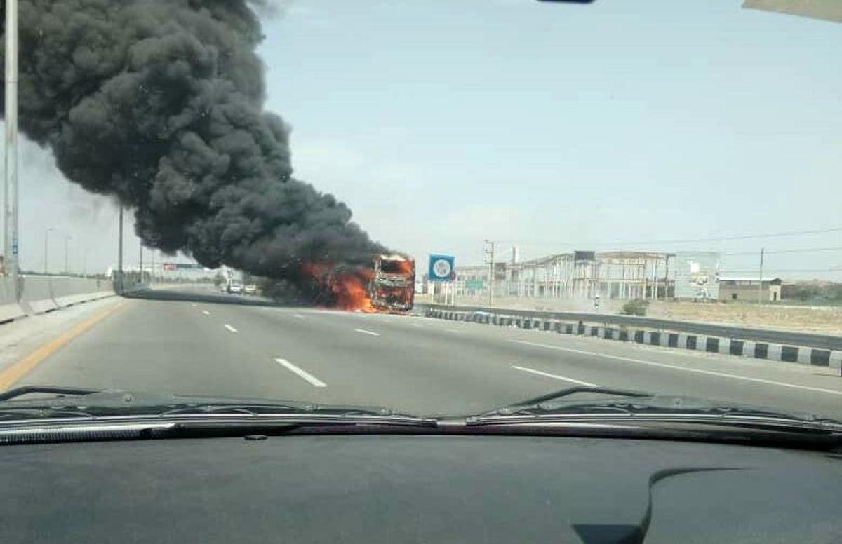 اتوبوس گرگان- زابل آتش گرفت
