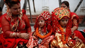 استقبال متفاوت مردم بنگلادش از پاییز +تصاویر