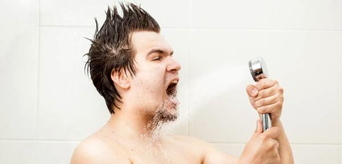 فواید جالب آواز خواندن در حمام