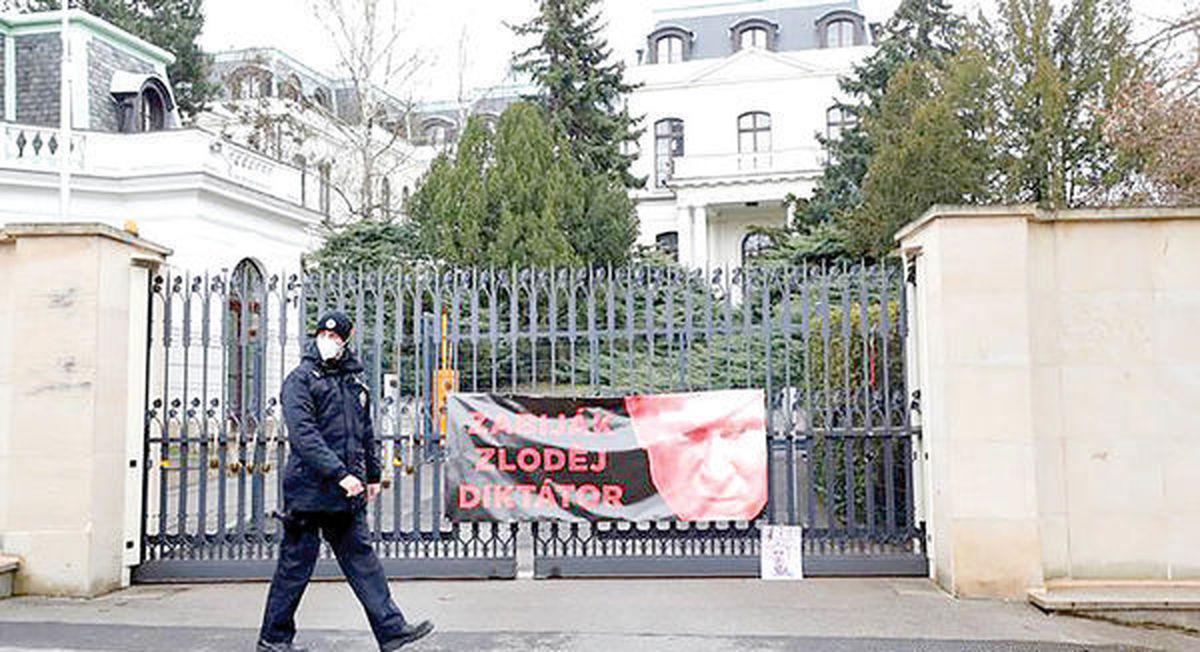 اخراج کلیه پرسنل سفارت روسیه در پراگ
