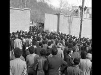 23بهمن1357 تصرف زندان اوین +عکس