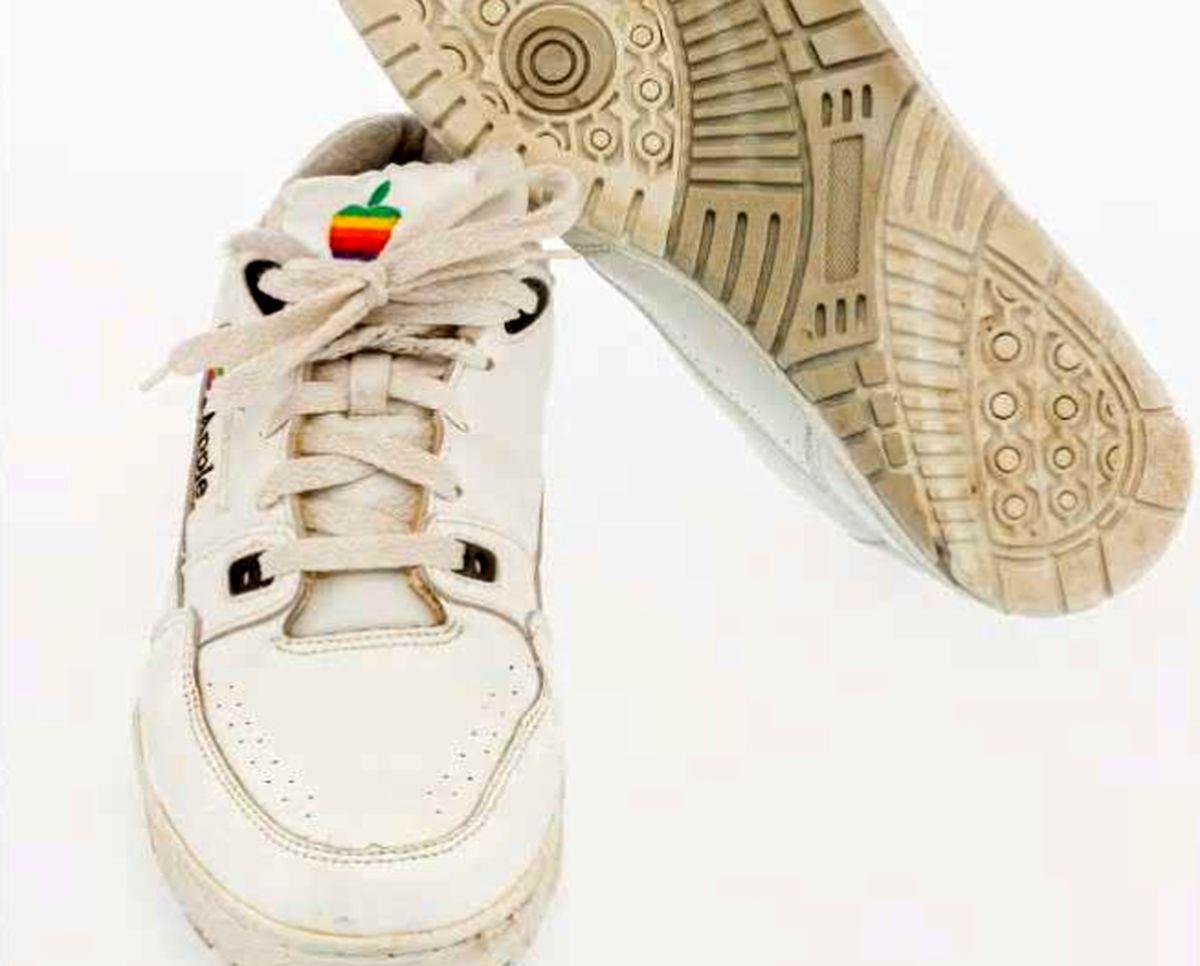 حراج یک جفت کفش ورزشی کمیاب برند اپل