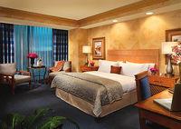 تعدیل نیرو در هتلها به دلیل مشکلات مالی