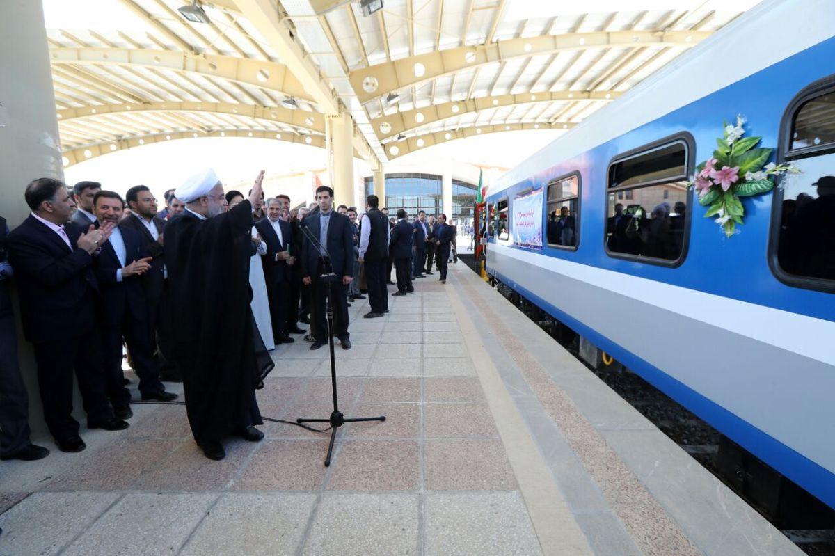 اولین قطار از کرمانشاه عازم مشهد شد