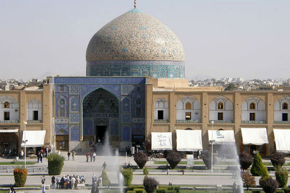 نفس کاشیهای «شیخ لطفالله» بند آمد