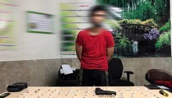 تماس معتادان با فروشنده موادمخدر در کلانتری!