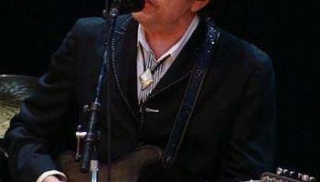 «باب دیلن» برگزیده نوبل ادبیات ۲۰۱۶ شد