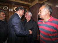 عادل، دایی و پروین در مراسم ترحیم جعفر کاشانی +تصاویر