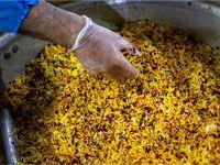 طبخ غذای متبرک رضوی برای بیمارستانهای تهران +تصاویر