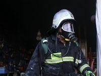 آتشسوزی در فروشگاه تجهیزات صنعتی +عکس