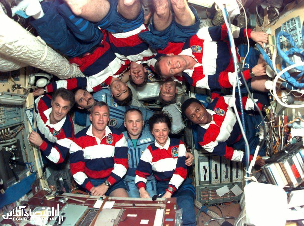 اعضای ایستگاه فضایی روسی میر و شاتل آمریکایی ایندور