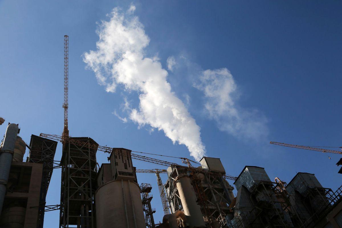 واکنش محیط زیست به اعتراض شورای شهر تهران به راه اندازی فاز۶ کارخانه سیمان