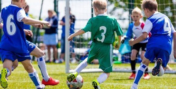 کاهش افسردگی در پسران با انجام ورزشهای گروهی