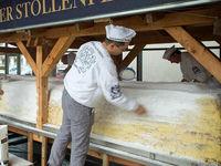 پخت کیک 4تنی کریسمس در آلمان +فیلم