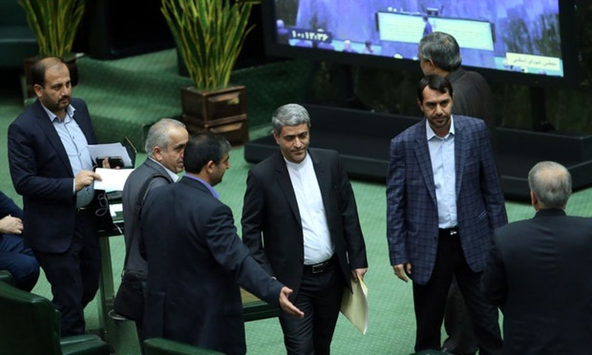 طیبنیا امروز به سوالات نمایندگان مجلس پاسخ میدهد