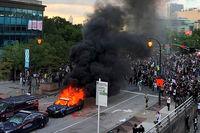 شلیک پلیس به خبرنگار آمریکایی حین پوشش اعتراضات +عکس