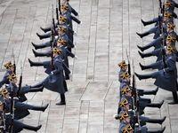 آخرین خداحافظی نگهبانان هنگ ریاست جمهوری روسیه +عکس