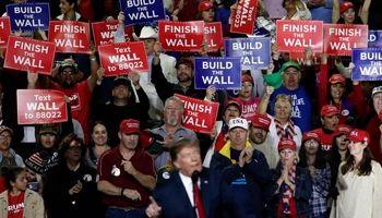یارکشی ترامپ برای ساخت دیوار +تصاویر