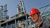 چین تعرفههای واردات نفت، الانجی و فرآورده از آمریکا را حذف کرد