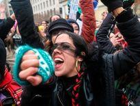 خشونت پلیس و بازداشت معترضان در منهتن +فیلم