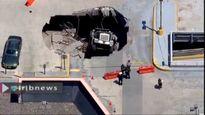 سقوط کامیون درون حفرهای در آمریکا +فیلم