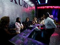 افتتاح نخستین رستوران زنانه در عراق +تصاویر