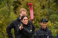 تصویری دیدنی از شاهزاده هری و همسرش! +عکس