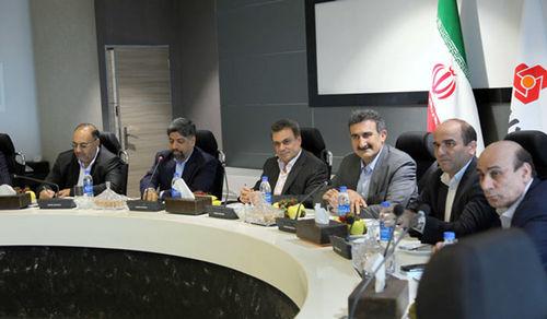 تاکید مدیران عامل بانک ملت و شرکت پخش فرآوردههای نفتی بر تقویت همکاریها
