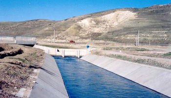 سازمان محیط زیست به جای انتقال آب خزر فاجعه پسماند شمال را رفع کند