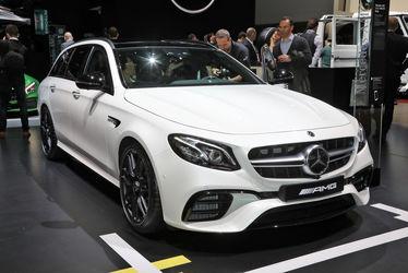 Mercedes-AMG-E63-Wagon-front-three-quarter