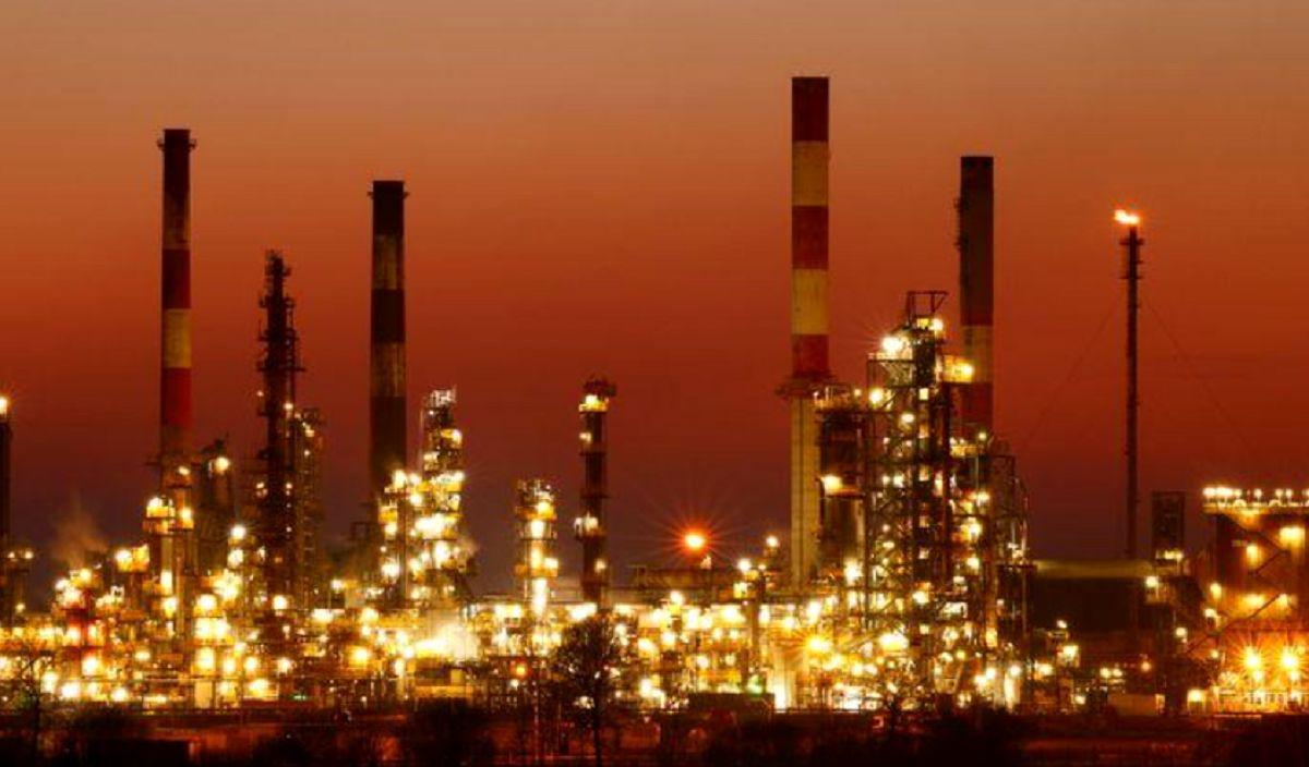 ثبات قیمت نفت در نزدیکی بالاترین سطح یک ماهه / چه بر سر تقاضای جهانی طلای سیاه خواهد آمد؟
